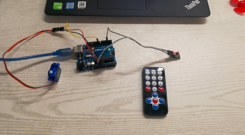 Arduino lesson – Controlling Servo Motor with IR Remote